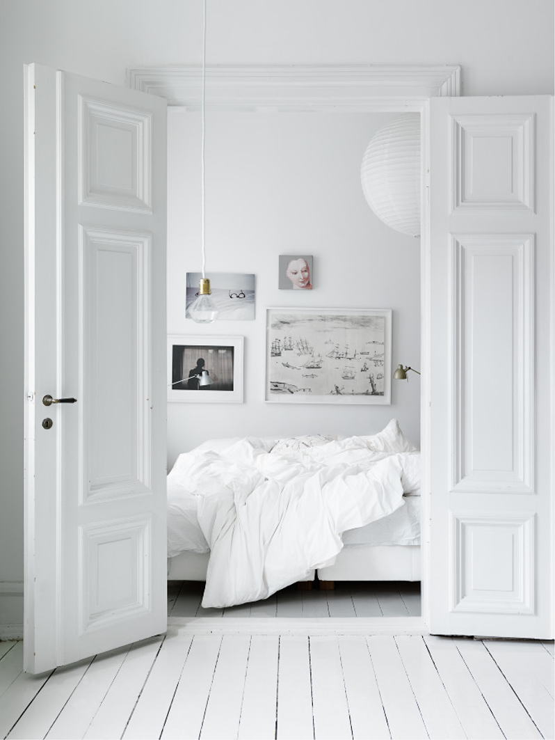All White Rooms Stunning With Pure White Bedroom Pictures