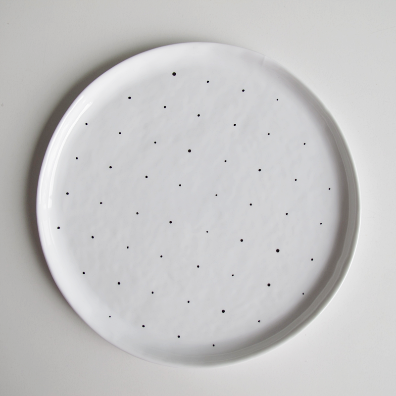 diy dotty plate | designoform.com